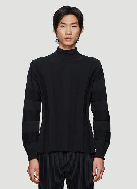 Issey Miyake Pleated Knit Sweater in Black