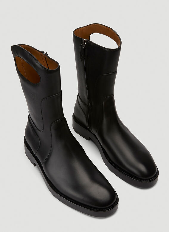 Burberry ALL LOOKS: Ankle Boot with Handle 2