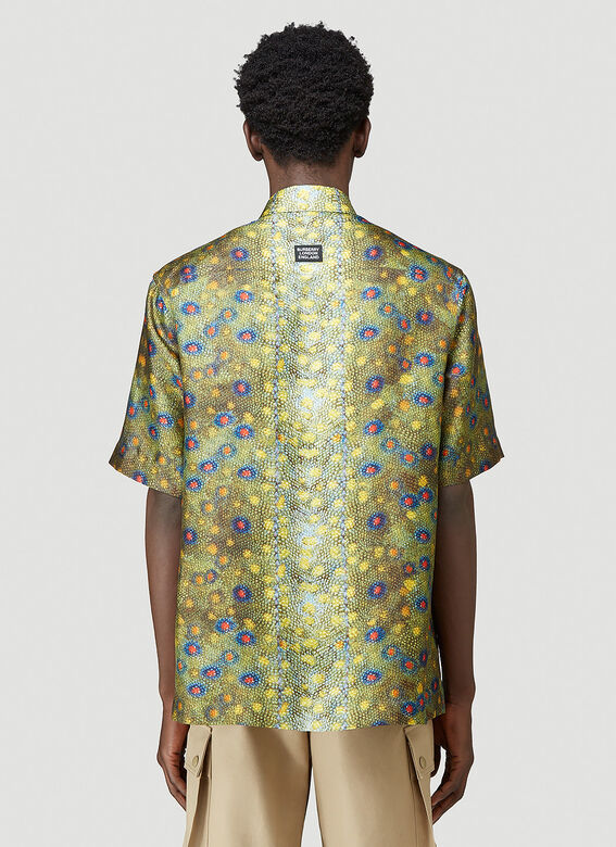 Burberry LOOK 19: Short sleeve printed 'fish scales' silk twill 'Boy' fit shirt 4