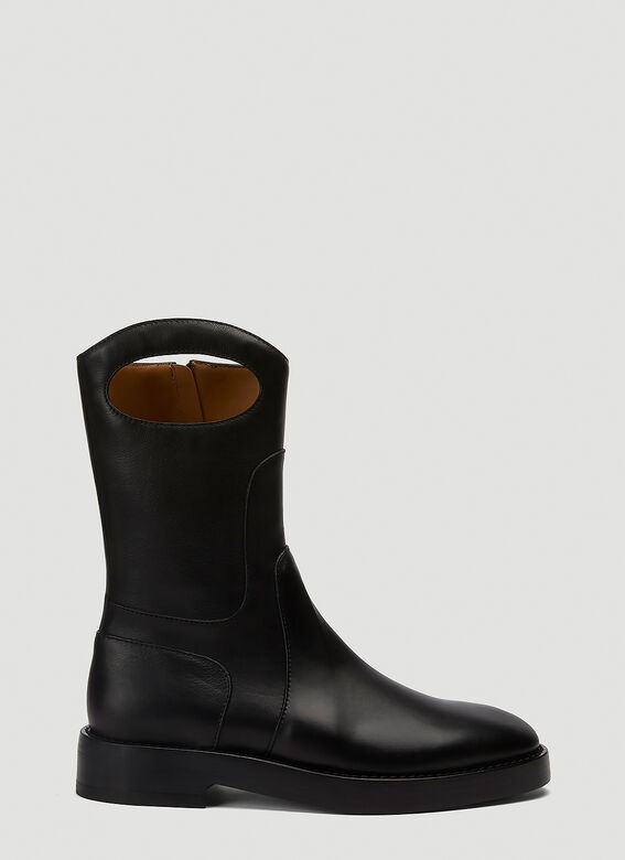 Burberry ALL LOOKS: Ankle Boot with Handle 1