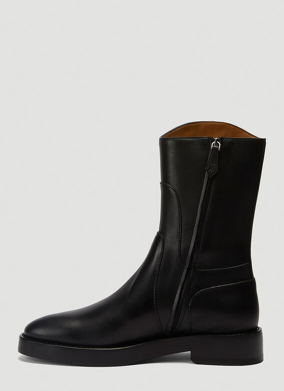 Burberry ALL LOOKS: Ankle Boot with Handle 3