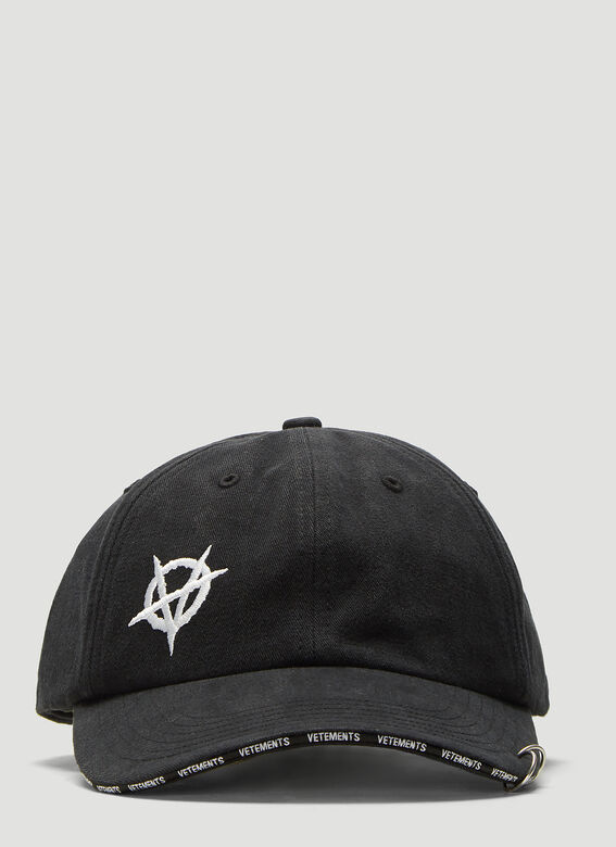 Vetements Accessories X Reebok Anarchy Cap in Black