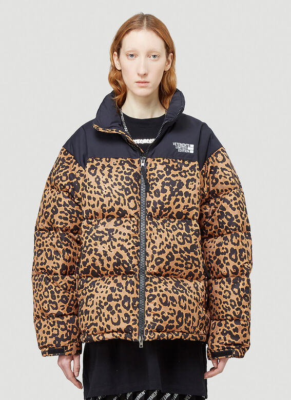 VETEMENTS LOGO LIMITED EDITION PUFFER JACKET 1