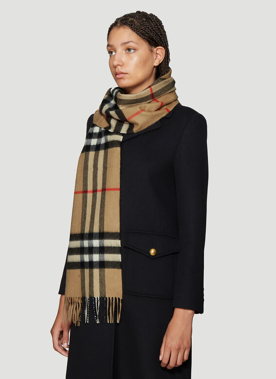 Burberry Vintage Check Knit Scarf 2