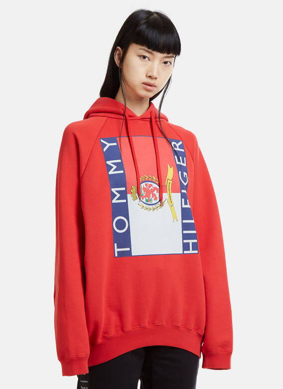 dae8f78e5 Vetements X Tommy Hilfiger Oversized Logo Hooded Sweatshirt. click to zoom