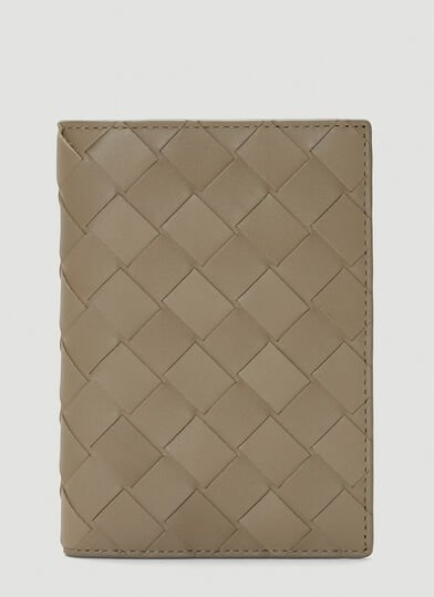 보테가 베네타 Bottega Veneta Woven Passport Case in Beige
