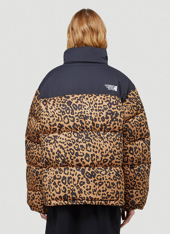 VETEMENTS LOGO LIMITED EDITION PUFFER JACKET 4
