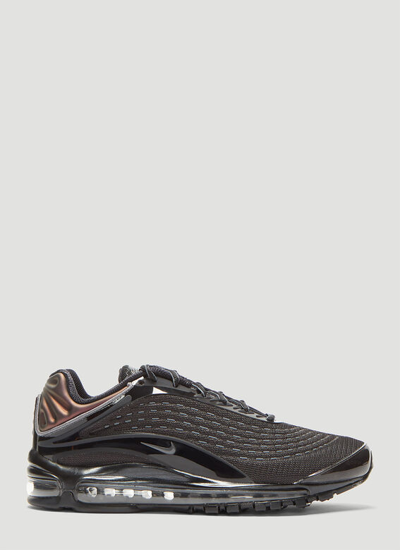 the latest ab9f9 c657d Air Max Deluxe Sneakers in Black